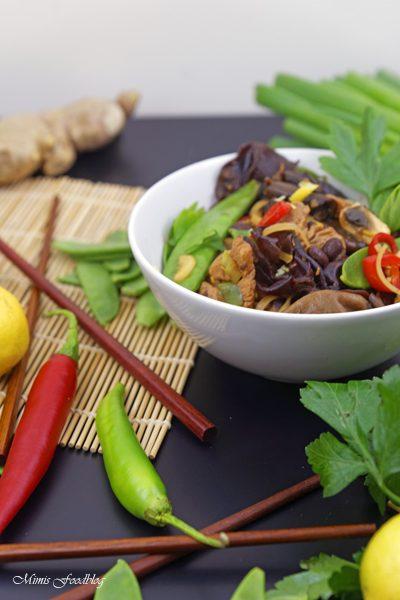 Chinesische Nudeln mit Schweinefleisch Kulinarisch ferne Länder mit Thalia entdecken 8