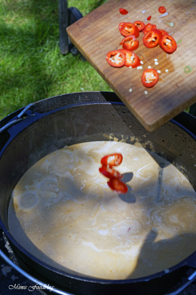 Kaeng phed nuer klassisches rotes Thai Curry aus dem Dutch Oven 1