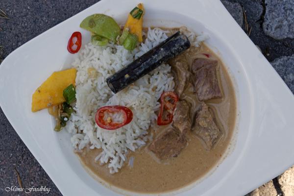 Kaeng phed nuer klassisches rotes Thai Curry aus dem Dutch Oven 2