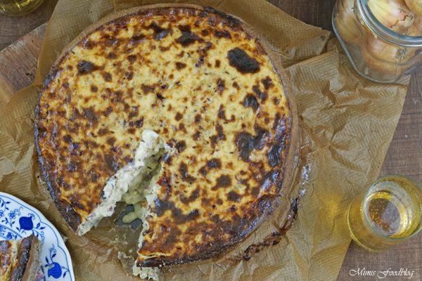 Anzeige Zwiebelkuchen mit Buchweizen Roggenboden dazu die vegane Erfrischung Sinalco 2