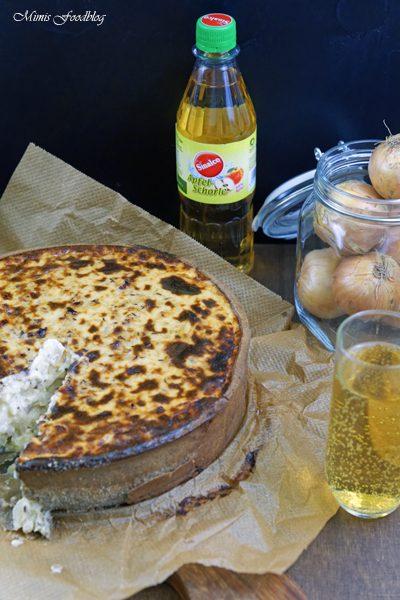 Anzeige Zwiebelkuchen mit Buchweizen Roggenboden dazu die vegane Erfrischung Sinalco 3