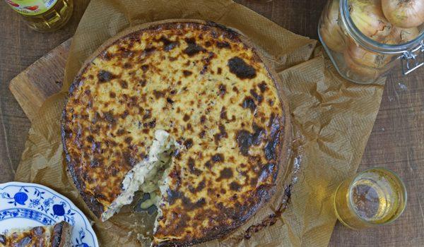 Anzeige Zwiebelkuchen mit Buchweizen Roggenboden dazu die vegane Erfrischung Sinalco 4