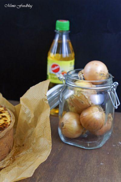 Anzeige Zwiebelkuchen mit Buchweizen Roggenboden dazu die vegane Erfrischung Sinalco 7