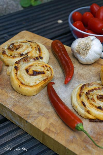 Chili Knoblauch Blätterteig Wheels mit Bacon die knusprige Beilage 2