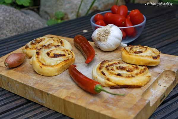 Chili Knoblauch Blätterteig Wheels mit Bacon die knusprige Beilage 4