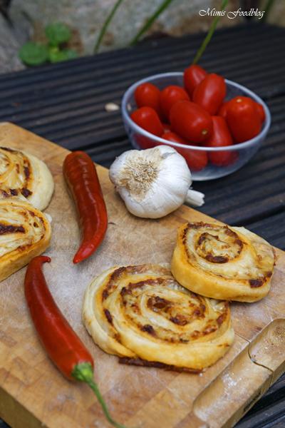 Chili Knoblauch Blätterteig Wheels mit Bacon die knusprige Beilage 6