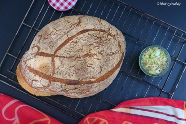 Französisches Landbrot ein Sauerteigbrot mit Weizenmehl 3