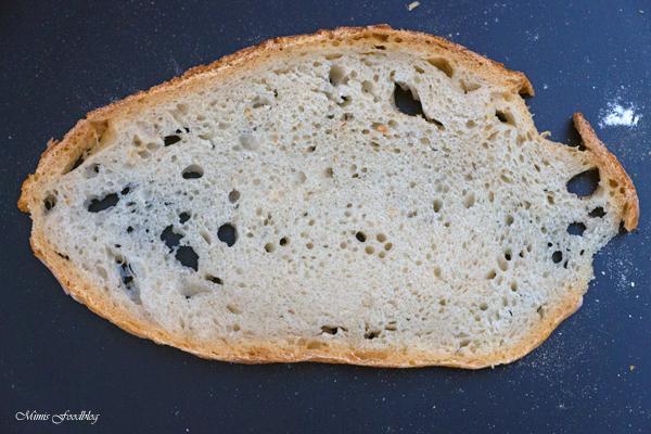 Französisches Landbrot ein Sauerteigbrot mit Weizenmehl 5