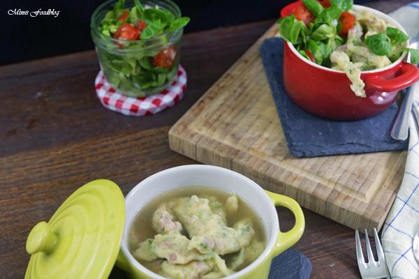 Schwaebische Wurstspaetzle klassische Hausmannskost als Suppe oder zu Salat 12