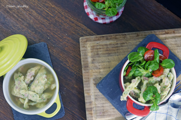 Schwaebische Wurstspaetzle klassische Hausmannskost als Suppe oder zu Salat 15